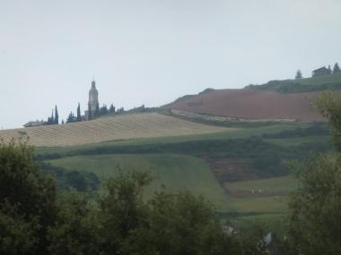 Villamajor de Montjardin, peeking at us from over the hill