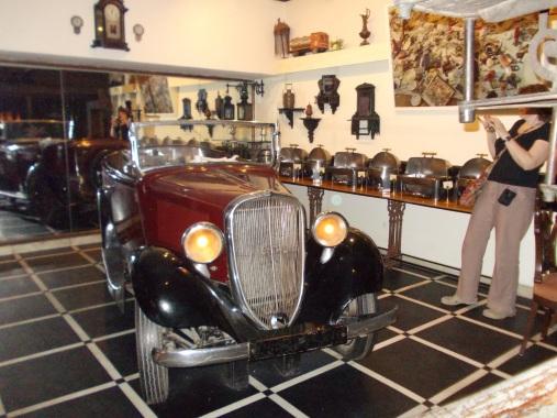 24 - Table car